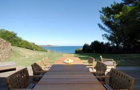Luxury houses for sale in Olbia. The Villa is located on the sea at Portisco area
