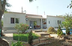 Property for sale in Faro (city). Traditional 2 bedroom country villa on a large plot in Odiaxere, near Lagos