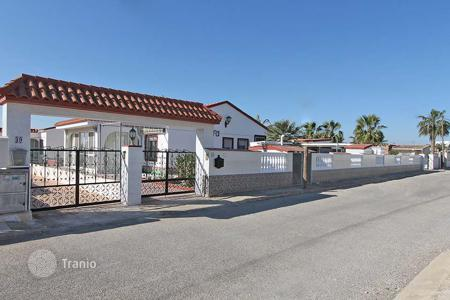 Cheap houses with pools for sale in Southern Europe. San Fulgencio. Villa of 190 m² built with 800 m² plot