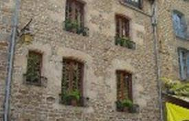 Cheap 5 bedroom houses for sale in France. House with character in Dinan centre + Artist's Atelier