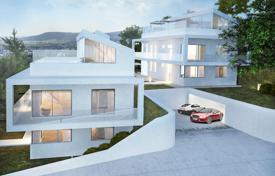 Property for sale in Lower Austria. Modern villa in Baden near Vienna. For one or two families.