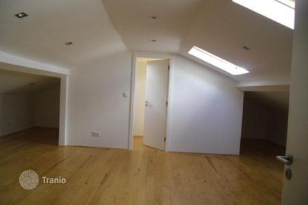 Cheap property for sale in Lisbon (city). Two level apartment in the district Avenidas Novas