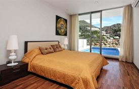 Bank repossessions residential overseas. Villa with mountains views in Altea in Costa Blanca