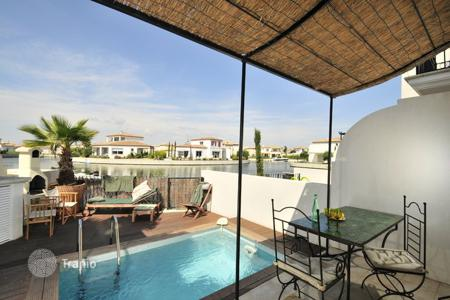 2 bedroom villas and houses to rent in Western Europe. La Maison Occitane