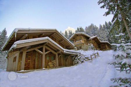 3 bedroom villas and houses to rent in Alps. Chalet – Chamonix, Auvergne-Rhône-Alpes, France