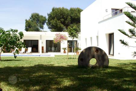 Residential to rent in Palma de Mallorca. Villa – Palma de Mallorca, Balearic Islands, Spain
