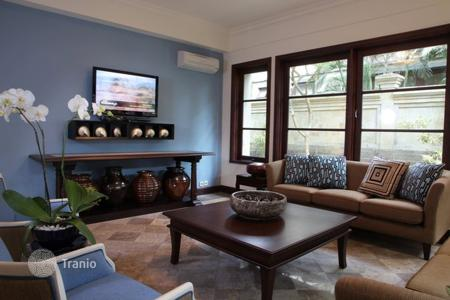 3 bedroom villas and houses by the sea to rent in Bali. Villa – North Kuta, Bali, Indonesia