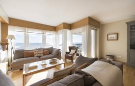 4 bedroom apartments for sale in Lloret de Mar. Luxury apartment with a terrace, in a residential complex on the beachfront, Lloret de Mar, Spain