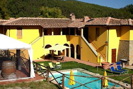 Residential for sale in San Casciano In Val di Pesa. Villa – San Casciano In Val di Pesa, Tuscany, Italy