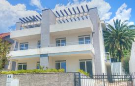 3 bedroom houses for sale in Bar. New duplex with sea view
