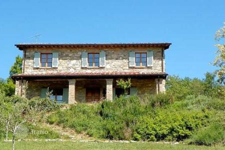Property for sale in Capolona. Villa – Capolona, Tuscany, Italy