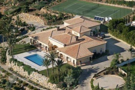 Luxury 5 bedroom houses for sale in Algarve. Villa – Albufeira, Faro, Portugal