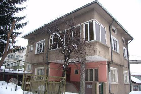 6 bedroom houses for sale in Lovech. Detached house – Lovech, Bulgaria