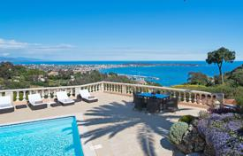 Villas and houses for rent with swimming pools in Vallauris. Luxury villa Super Cannes