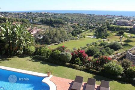 Luxury 6 bedroom houses for sale in Marbella. Very large villa with panoramic views in Los Flamingos Golf, Benahavís