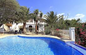 4 bedroom houses for sale in Calpe. Sea view villa with a swimming pool, a garden and a guest house, Calpe, Spain