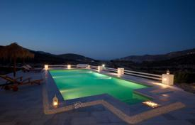 4 bedroom villas and houses by the sea to rent in Greece. Villa – Mikonos, Aegean Isles, Greece