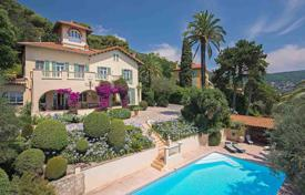 5 bedroom houses for sale in Grasse. Cannes backcountry — Belle Epoque mansion