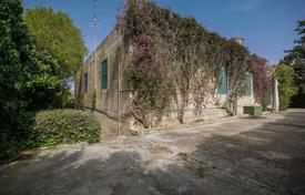 Luxury residential for sale in Malta. Fully-detached villa with a need of refurbishment in Madliena