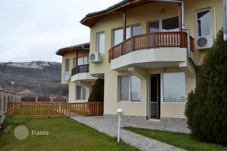 Houses for sale in Dobrich Region. Townhome – Topola, Dobrich Region, Bulgaria