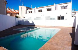 Townhouses for sale in Alicante. KEY IN HAND! 3 bedroom townhouse with solarium in Torrevieja
