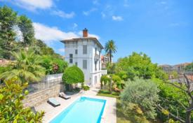 Cheap houses for sale in France. Villa – Vence, Côte d'Azur (French Riviera), France
