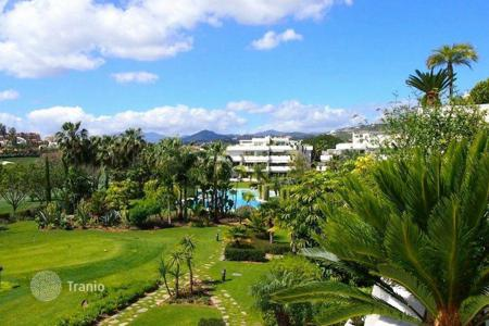 2 bedroom apartments for sale in Marbella. Apartment for sale in Los Granados Golf, Nueva Andalucia