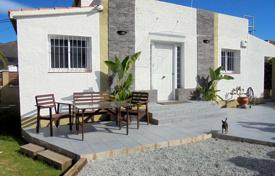 2 bedroom houses for sale in Costa Brava. Comfortable villa with a well-kept garden, a parking, a garage and a recreation area, El Mas Bosca, Spain