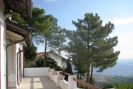 Coastal residential for sale in Savona. Villa – Savona, Liguria, Italy