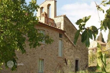 5 bedroom houses for sale in Arezzo. Villa – Arezzo, Tuscany, Italy