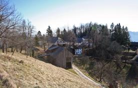 4 bedroom houses for sale in Slovenia. Osolnik hill — A great opportunity for agricultural tourism or similar business