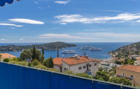 Residential for sale in Villefranche-sur-Mer. Renovated 87 m² apartment with terrace and sea view in Villefranche-sur-Mer