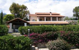 Houses with pools for sale in Liguria. New villa with garden and swimming pool