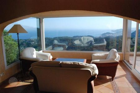 Luxury 3 bedroom houses for sale in Costa Brava. Villa - Lloret de Mar, Catalonia, Spain