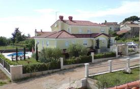 4 bedroom houses for sale in Istria County. Comfortable mansion with two terraces, a winter garden and a pool, Poreč, Istria County, Croatia