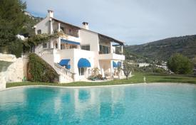 Houses with pools for sale in Èze. Villa with a large swimming pool, Eze, France