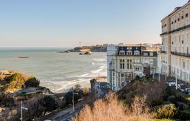 In the heart of the resort city of Biarritz, oceanfront location with a view oт Atlantic ocean 4 bedroom apartment with terrace and balcony for 2,100,000 €
