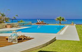 4 bedroom villas and houses by the sea to rent in Greece. Villa – Chersonisos, Crete, Greece