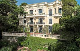 6 bedroom villas and houses to rent in Côte d'Azur (French Riviera). Cap-d'Ail — Belle Epoque waterfront property