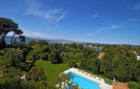 6 bedroom houses for sale in Antibes. Villa – Cap d'Antibes, Antibes, Côte d'Azur (French Riviera), France