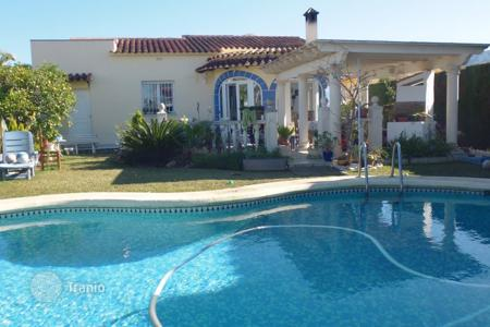 Houses with pools by the sea for sale in Denia. Villa in Denia, Spain. 100 meters from the sea. Private garden and swimming pool