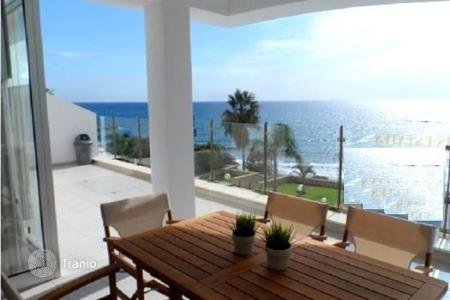 Luxury apartments with pools for sale in Agios Tychon. Apartment – Agios Tychon, Limassol, Cyprus