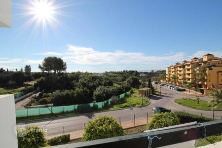 3 bedroom apartments by the sea for sale in Costa del Sol. Apartment located in a quiet area close to the famous Park Selwo