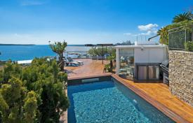 Luxury apartments for sale in Côte d'Azur (French Riviera). Cannes — Croisette — Exceptional penthouse