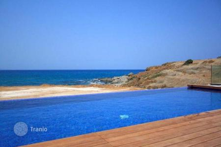 Houses with pools by the sea for sale in Paphos. Villa – Pomos, Paphos, Cyprus