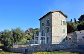 Luxury 6 bedroom houses for sale in Liguria. Sea view villa with three independent apartments, near the center of Bordighera, Italy