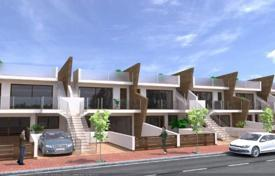 Townhouses for sale in Murcia. 2 and 3 bedroom bungalow in a complex with pool in San Pedro del Pinatar