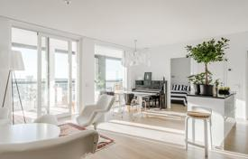 Property for sale in Finland. Luminous ocean view apartment in a new residential estate with a parking, a gym and a sauna, Jätkäsaari district, Helsinki