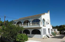 Houses for sale in Jalón. 4 bedroom and 3 bathroom villa with independent ground floor apartment in Jalón/Xaló