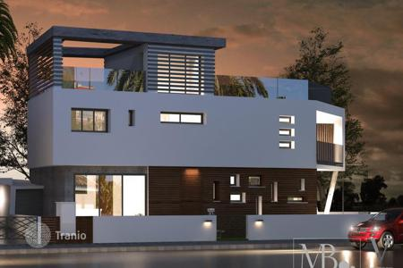 Houses for sale in Mesa Geitonia. Five Bedroom Detached House